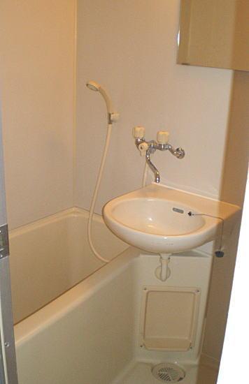 リラ赤堤浴室